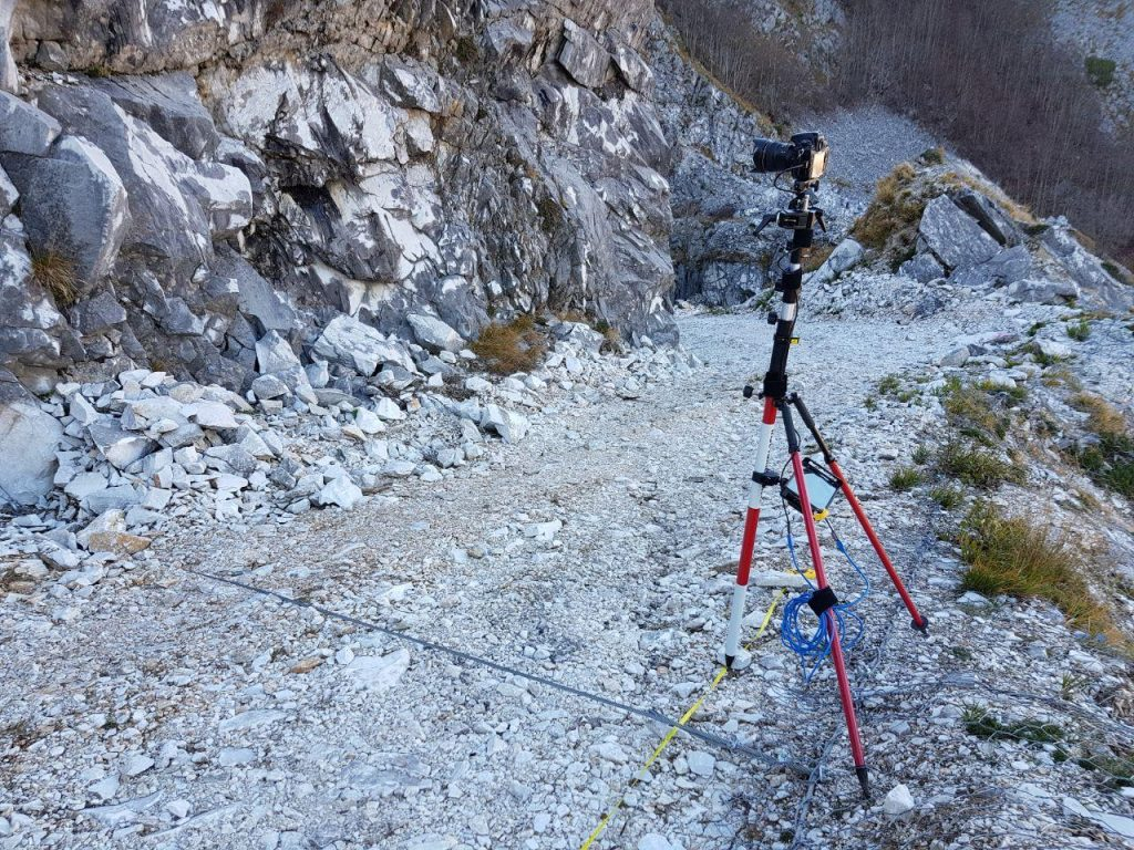 Pole with Nikon D800 - bipod and tablet - overall picture