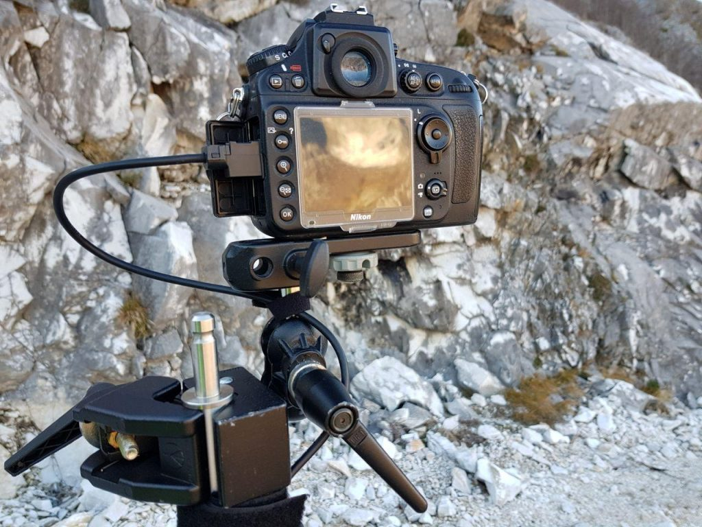 Pole with Nikon D800 - bipod and tablet - clamp