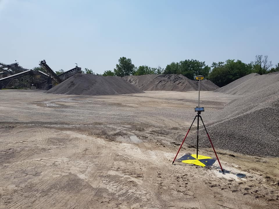 GNSS receiver in an excavation site
